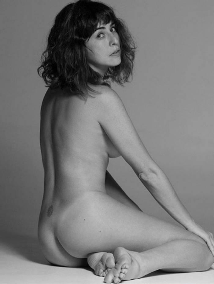 Fernanda Paes Leme posa nua