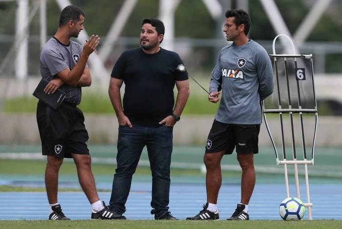 Eduardo Barroca comandará um time profissional pela primeira vez