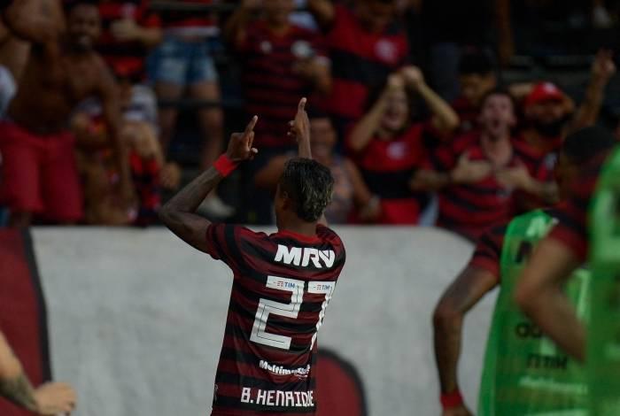 Bruno Henrique foi o destaque da partida nesta tarde