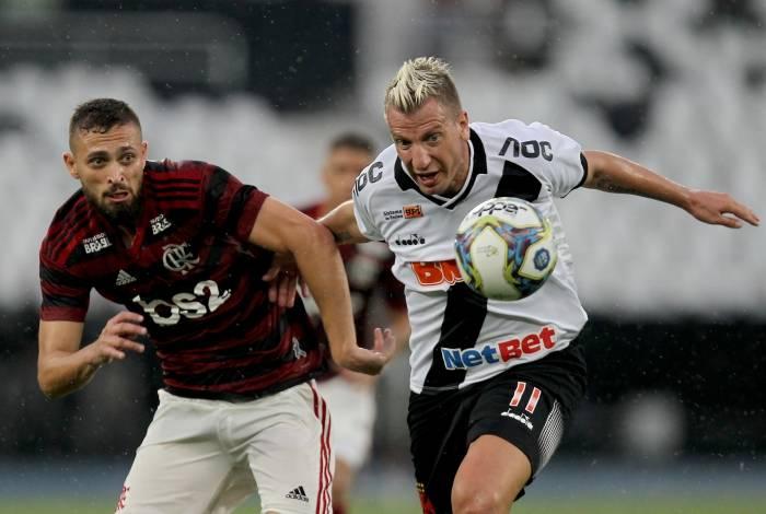 Flamengo venceu o Vasco por 2 a 0 na primeira partida da final