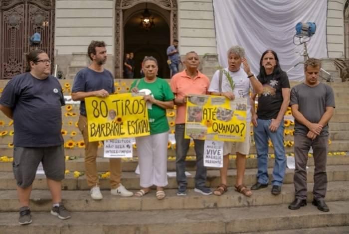 Parlamentares do PSOL em ato exigindo resposta pelos assassinatos de Marielle, Anderson e do músico Evaldo Rosa