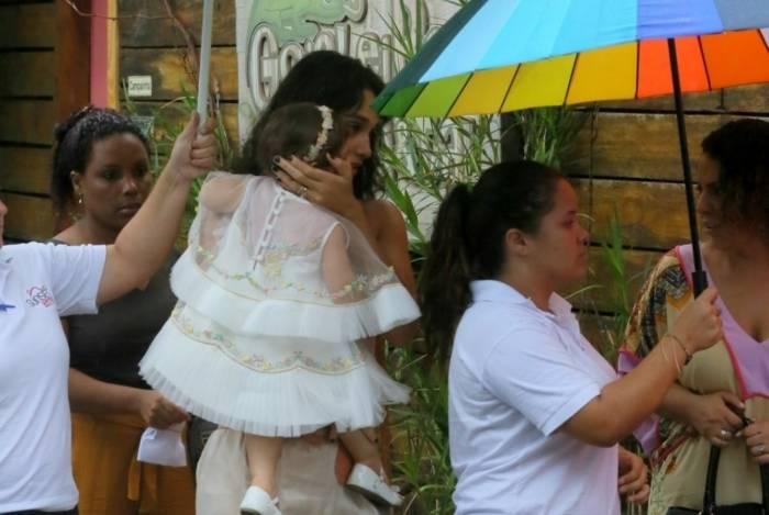 José Loreto e Débora Nascimento chegam separados ao aniversário da filha, Bella