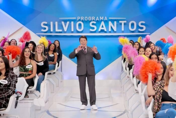 Silvio Santos grava programa de tênis
