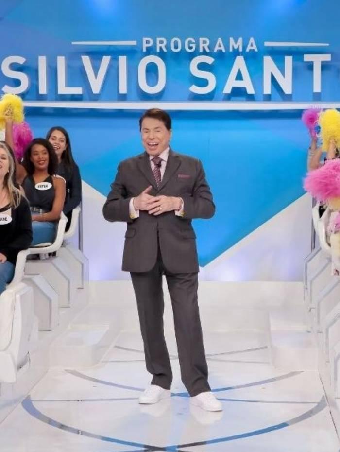 Silvio Santos ironiza salário de Faustão: 'Cinco milhões? Mentiros'