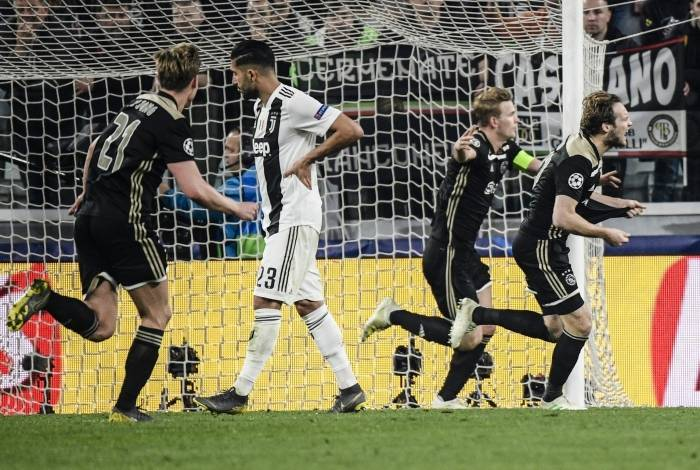 Ajax se classificou