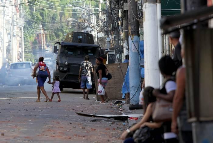 Policiamento reforçado após manifestação de mototaxistas na Comunidade do São Carlos