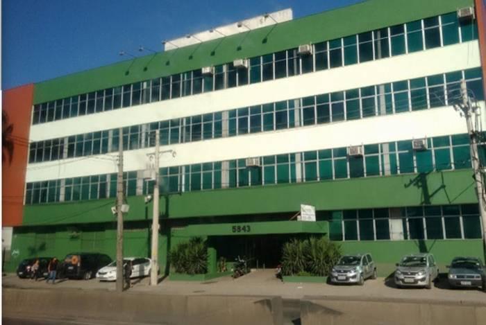Fachada da faculdade na Avenida Brasil