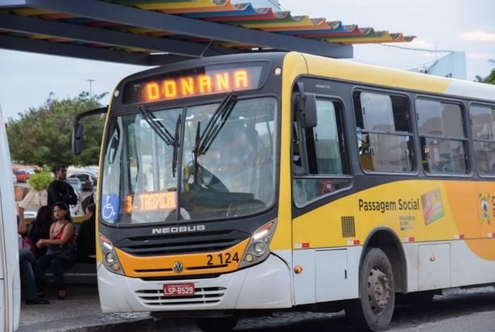 Moradores de regiões nos limites da cidade, como Donana, costumam reclamar da escassez de ônibus