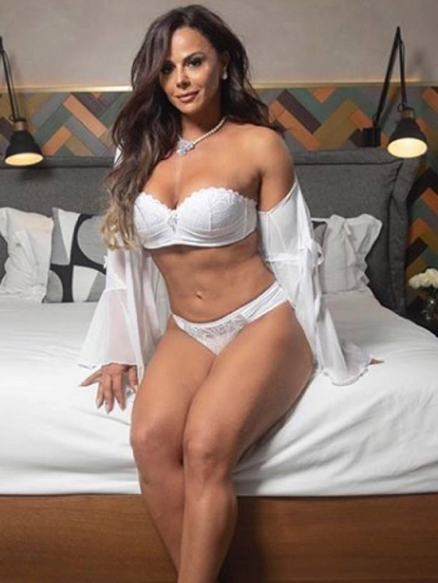 Viviane Araujo Nude Photos 21