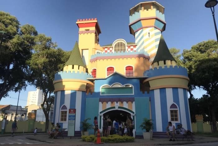 A Cidade da Criança oferece atrações variadas para as crianças, com boa estrutura e segurança
