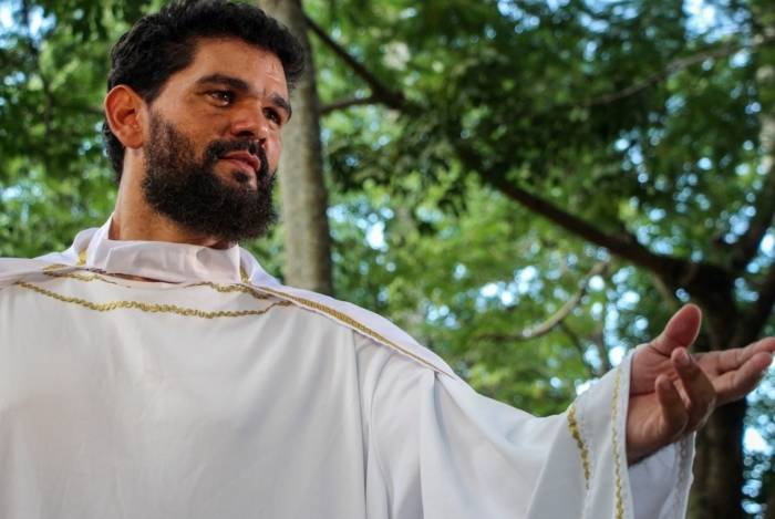 A encenação da Paixão de Cristo é tradição mantida desde 1982 em Campos