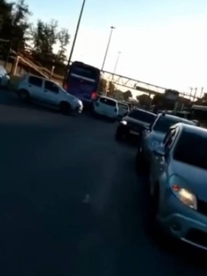 Motoristas tentam fugir de tiroteio na Avenida Brasil