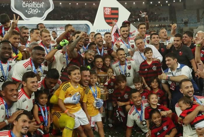 Superação, reforços e rodízio: o que torna o Flamengo candidato ao título do brasileirão?