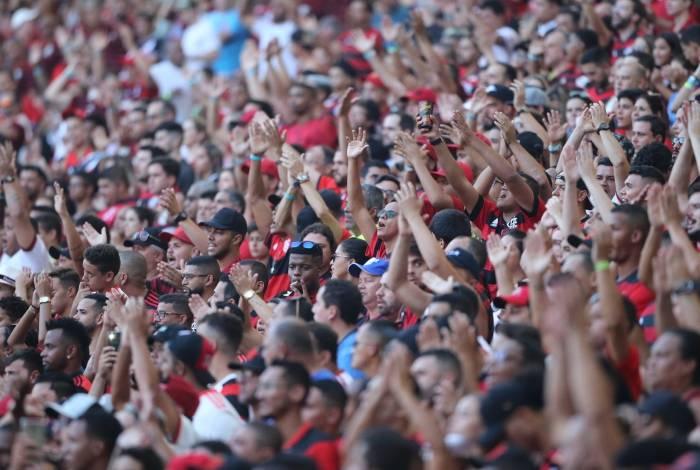 Mais de 800 torcedores rubro-negros são esperados em Montevidéu.