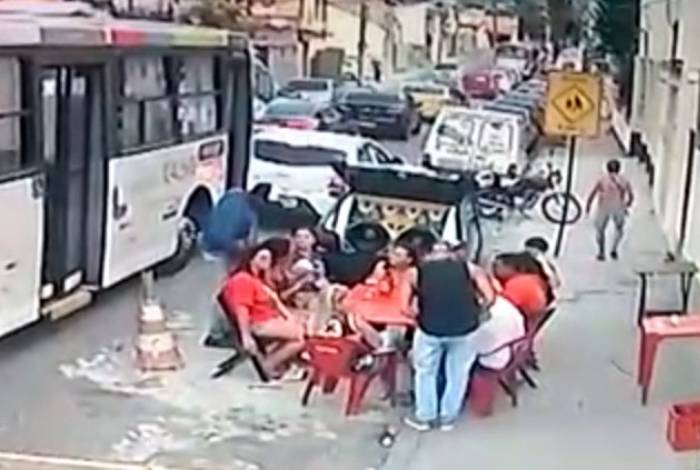 Bandidos fizeram a 'limpa' nos clientes