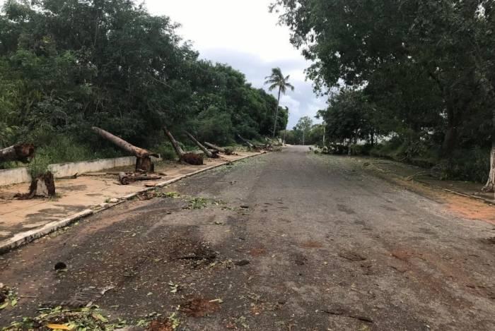 Ciclone atinge Moçambique quase um mês depois de uma super tempestade atingir o centro do país, deixando centenas de mortos e causando devastação