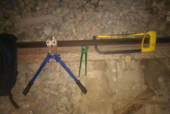Material utilizado na tentativa de furto flagrada por agentes de controle da Supervia