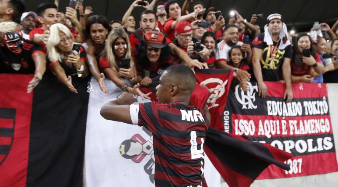 Zagueiro Juan se despediu do futebol no jogo Flamengo x Cruzeiro