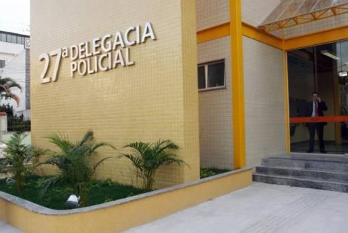 Homem foi preso e levado para a delegacia de Vicente de Carvalho após ejacular na perna de uma mulher no metrô neste sábado
