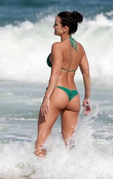 Kyra Gracie na Praia da Barra da Tijuca, na Zona Oeste do Rio, neste sábado