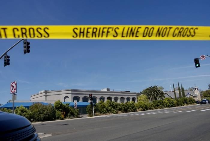 Ataque a tiros em sinagoga de Poway, na Califórnia, deixa uma pessoa morta e três feridas