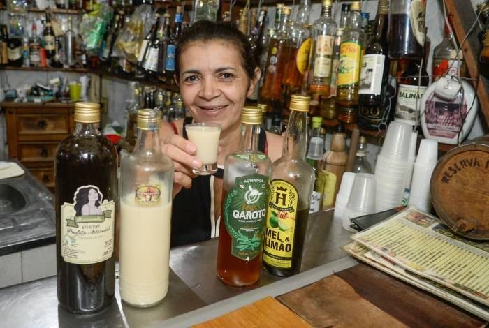 Maria Bezerra, dona da Casa da Cachaça na Lapa, um dos bares fora do Comida di Buteco