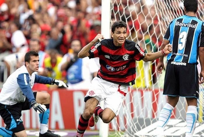 Angelim provocou o Vasco