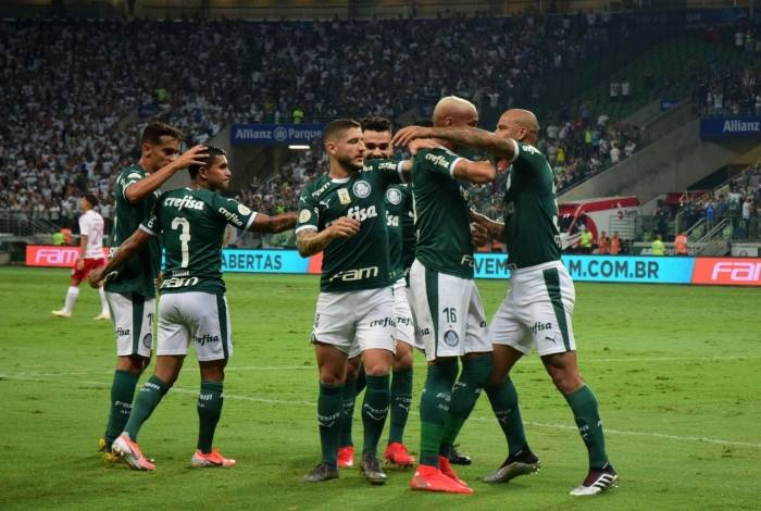 Palmeiras se aproxima de efetivar venda de meio-campista; veja os valores