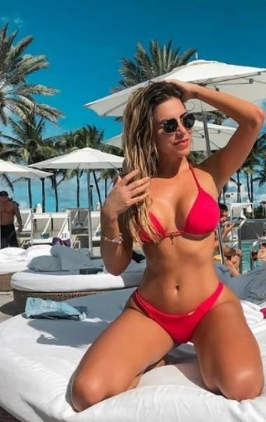 Erika Schneider, de 27 anos, é um ícone do fitness