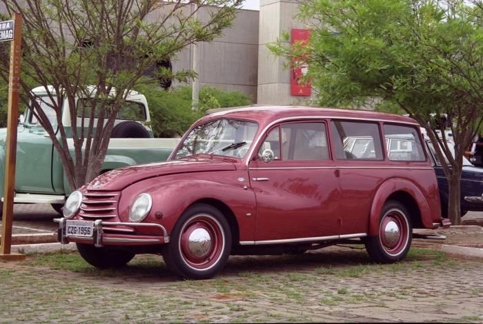 Modelo da Vemag foi o primeiro carro fabricado no país