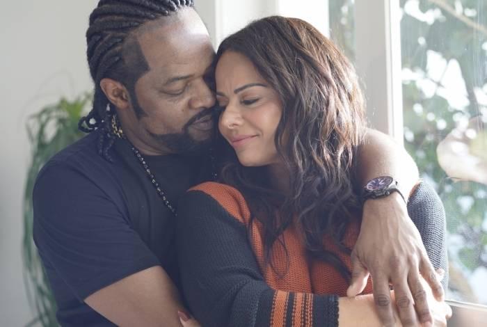Xande de Pilares e Viviane Araújo fazem juntos clipe de 'Fã do Amor da Gente', nova música do sambista