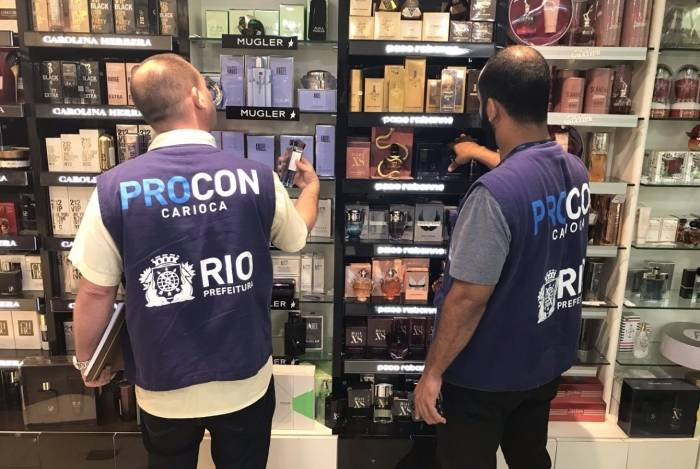 Procon Carioca notifica nove lojas de presentes para o Dia das Mães