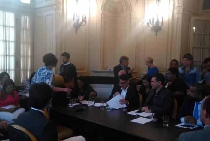 Testemunhas começam a ser ouvidas no processo de impeachment de Crivella