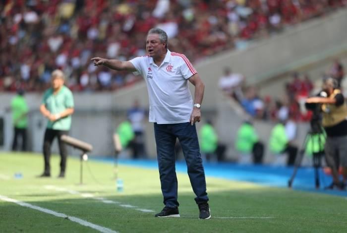 Técnico do Flamengo, Abel Braga terá mais um difícil desafio hoje à noite