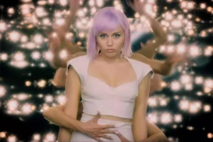 Miley Cyrus está na quinta temporada de 'Black Mirror'
