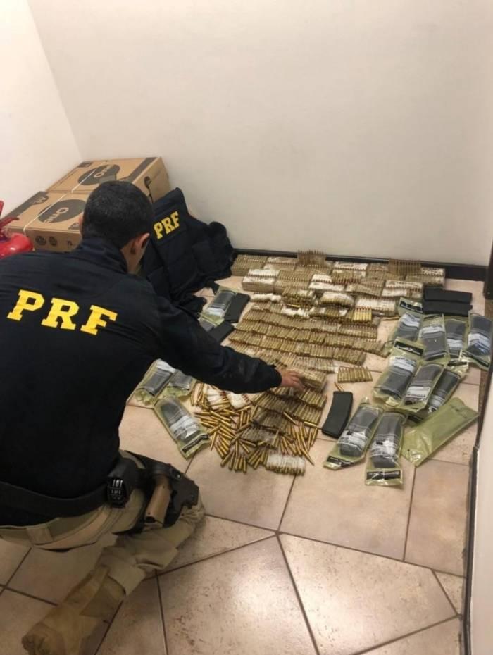 Material apreendido por agentes da PRF
