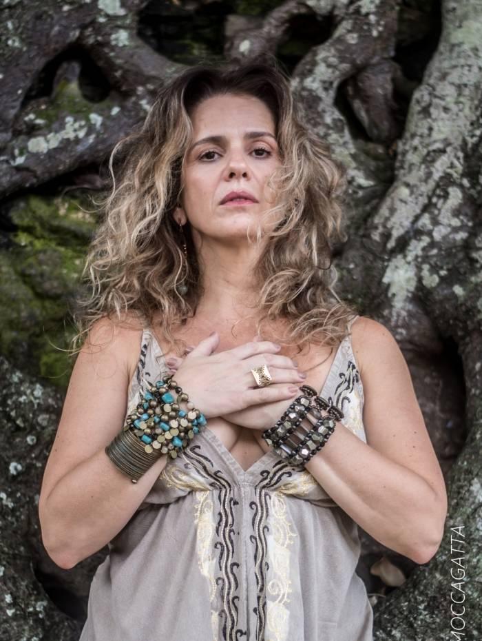 Patrícia Mellodi apresenta novo álbum no Parque das Ruínas