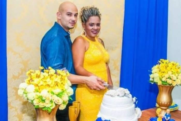 Marlon e Fabiane no dia do casamento: ele mandou matar a mulher e os dois enteados, 28 dias após cerimônia
