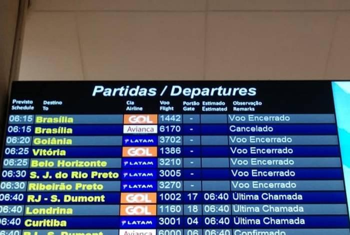 Tripulantes da Avianca fazem paralisação nesta sexta-feira em Congonhas e no Santos Dumont