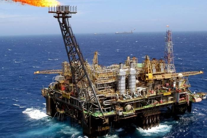 O Artigo 20 da Constituição assegura participação nos resultados da exploração de petróleo a todos os estados e municípios em cujo território se dê a atividade exploratória