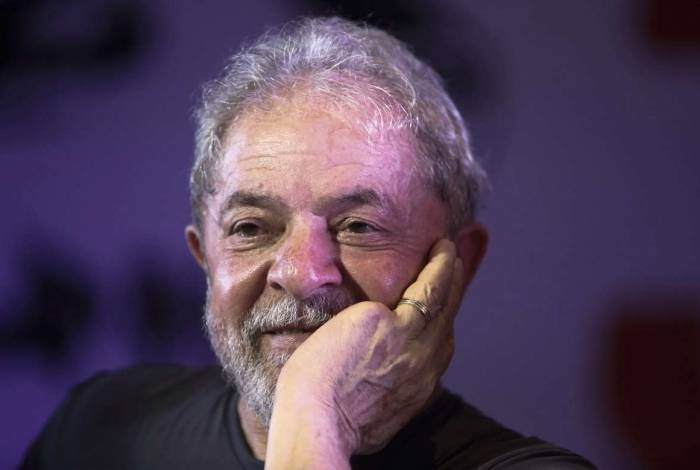 Lula está casado e pretende casar quando deixar cadeia