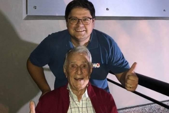 Aos 99 anos, Orlando Drummond, o 'Seu Peru', estreia no Instagram