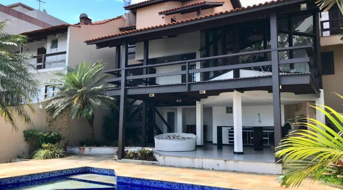 Mansão onde morou o jogador Luan Garcia do Palmeiras