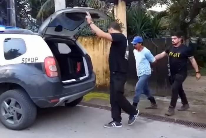 O assassino foi localizado na casa em que morava, em Itaguaí