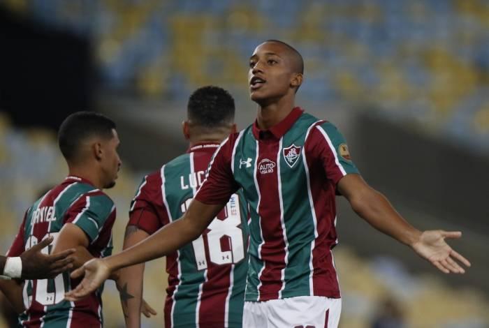 João Pedro tem nove gols no ano