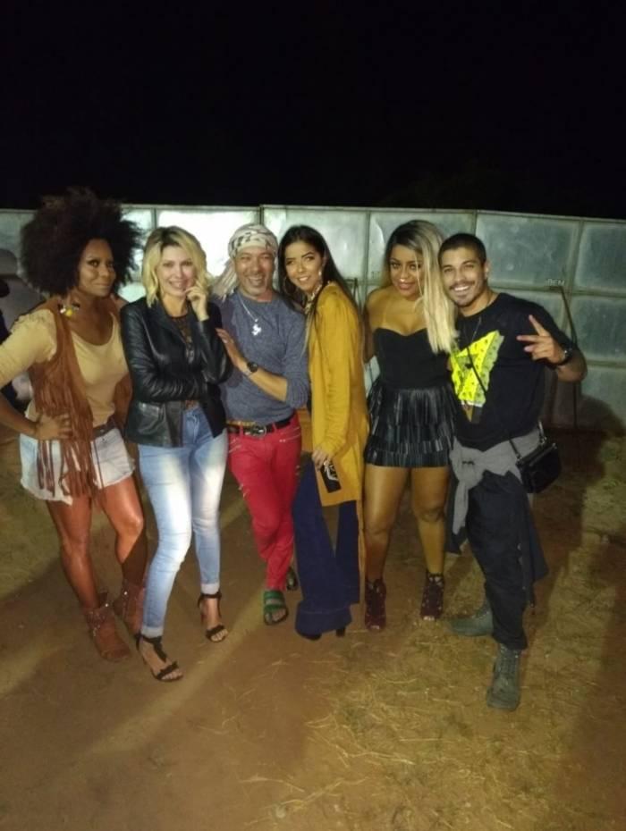 Adriana Bombom, Antônia Fontenelle, David Santiago, Júlia Peixoto, Cariúcha e Douglas Sampaio