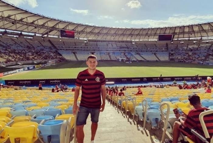 Rodrigo Bogarín comparece a jogo do Flamengo no Maracanã