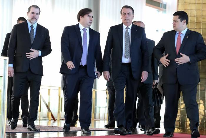 Dias Toffoli, Rodrigo Maia e Jair Bolsonaro ensaiam pacto por reformas