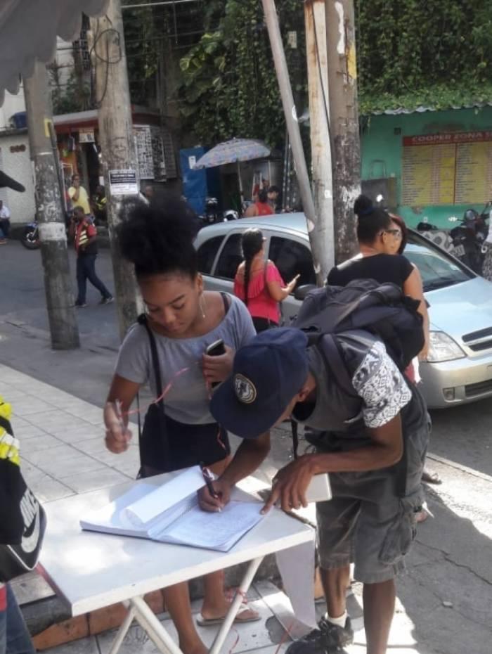 Moradores pedem ainda linha de micro-ônibus entre comunidade e a estação de metrô Antero de Quental