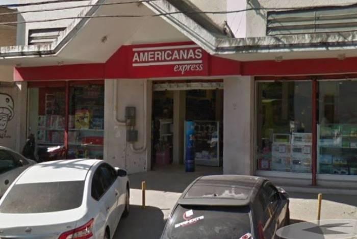 Unidade das Lojas Americanas foi assaltada na manhã desta quinta-feira